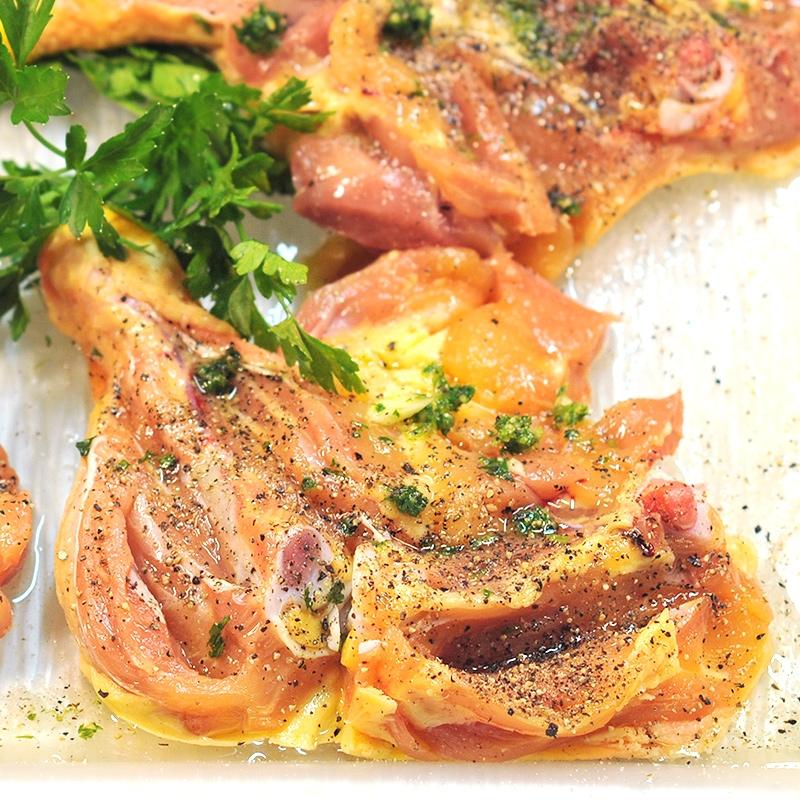 Muslos de pollo aliñados